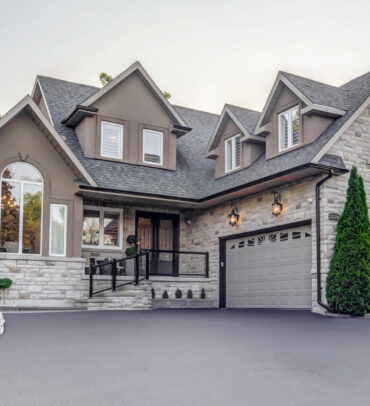 EXCLUSIVE LISTING – Luxury Custom Home Pickering – SOLD!!